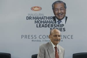 Dr Mahathir gets the ball rolling for lecture series – Malaymail (3 December 2018)